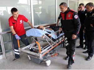 Kayseri'de kamyon ile polis aracı çarpıştı