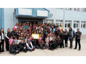 Eskişehir'de motosiklet tutkunlarından eğitime destek