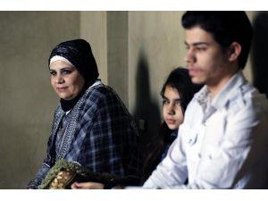 Lübnan'daki Suriyeli ailenin Türkiye'deki babalarına kavuşma isteği