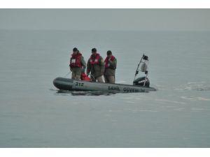 """Büyükçekmece'de """"teknenin alabora olduğu"""" iddiası"""