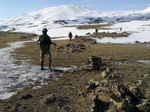 Kars'ta 5 terörist ölü ele geçirildi