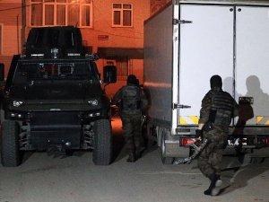 İstanbul'da terör örgütüne helikopter destekli operasyon