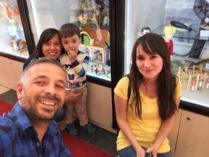 Tuna ailesi oyuncak müzesinde