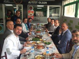 Genel Müdür Baykan ve Başkan Altay Abacı'da tirit ziyafetinde