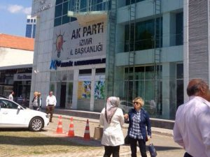 AK Parti binasında zehirli gaz alarmı