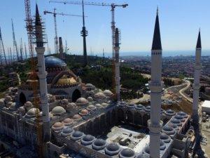 Çamlıca Camii'nin kubbesinin beton dökümüne başlandı
