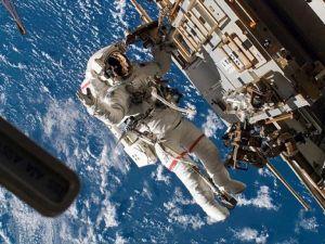 Çin en geç 2036'da aya astronot gönderecek