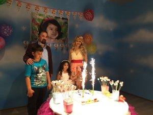 Ela Beren için yaş günü kutlaması