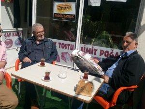 Mola Cafe'de çay sohbeti