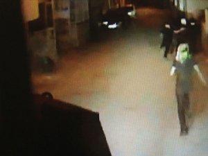 Polise patlayıcı atan terörist böyle yakalandı!