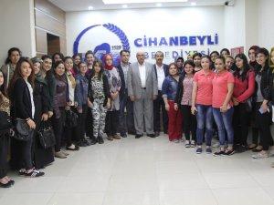 Cihanbeyli Belediyesi gençlerle bir araya geldi