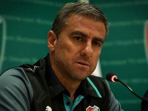 Bursaspor, Hamzaoğlu ile sözleşmeyi uzattı