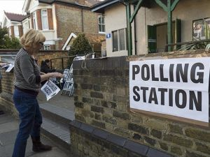Birleşik Krallık'taki seçimlerde İşçi Partisi'nde büyük düşüş