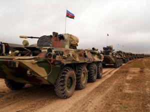 Azerbaycan ordusu tatbikat yapıyor