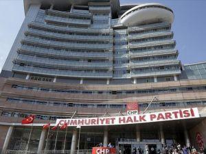 CHP, tüzük kurultayını erteledi