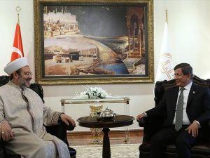 Başbakan Davutoğlu, Diyanet İşleri Başkanı Görmez'i ziyaret etti