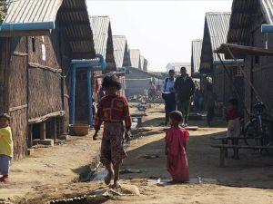 Arakan'daki Müslüman kamplarındaki zorlu yaşam