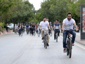Meram Gençlik Meclisi üyeleri bisiklet sürdü