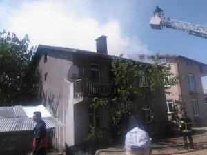 Beyşehir'de ev yangını