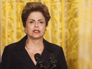 Brezilya senatosu Rousseff'i geçici olarak görevden aldı