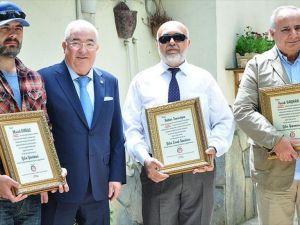 Settar Tanrıöğen'e 'Yılın Esnaf Sanatçısı' ödülü