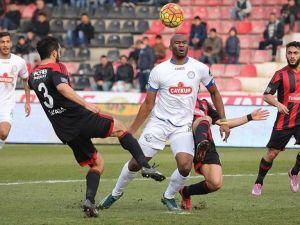 Spor Toto Süper Lig'de kritik cumartesi