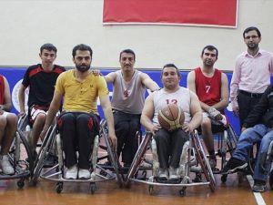 Engelli baba ve oğlunun basketbol tutkusu