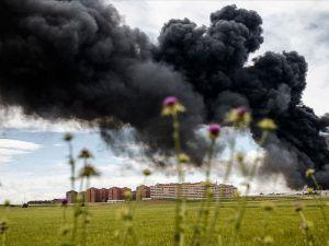 İspanya'da 'lastik mezarlığında' yangın
