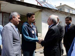 CHP Genel Başkanı Kılıçdaroğlu Van'da taziye ziyaretinde bulundu