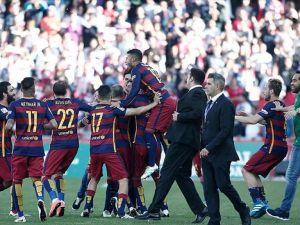 Barcelona'da 24. lig kupası sevinci