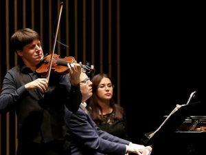 'Metrodaki Kemancı' İstanbul'da konser verdi
