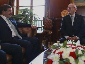 Başbakan Davutoğlu TBMM Başkanı Kahraman'ı ziyaret etti