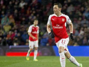 Mesut Özil Premier Lig'in en iyi 5. futbolcusu