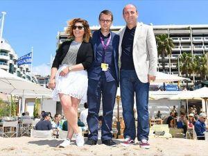 Türk filmi 'Albüm' Cannes'da eleştirmenlerden ödül bekliyor