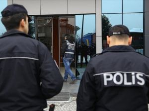 Antalya'da 15 adrese FETÖ/PDY operasyonu