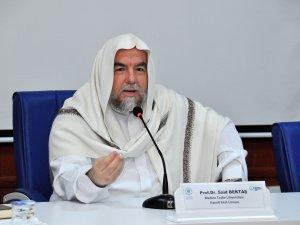 Prof. Dr. Bektaş konferans verdi