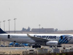 Paris-Kahire seferini yapan Mısır yolcu uçağı kayboldu