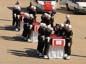 Mardin'de şehit askerler için tören