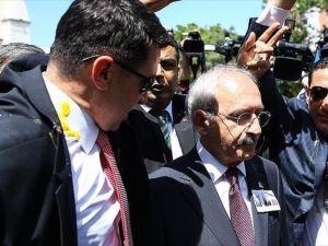 Kılıçdaroğlu'na yumurtalı protesto düzenlendi