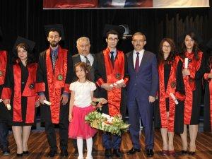 Genç hukukçular mezuniyet coşkusu yaşadı