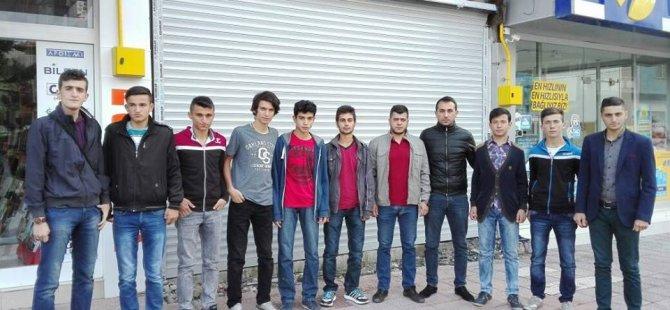 Başarılı AK Gençleri Kampa Gönderdiler