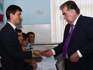 Tacikistan'da anayasa referandumu