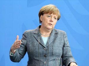 Almanya Başbakanı Merkel: Türkiye, Avrupa'ya doğrudan komşu olan önemli bir partner