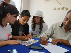 Roman çocuklara dilekçe yazmayı öğrettiler