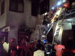 Tayland'da yatılı okulda yangın çıktı: 18 ölü