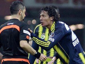 Fenerbahçe'de en çok kartı Alves gördü