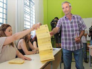 Güney Kıbrıs'taki genel seçimi Neofitu liderliğindeki DİSİ kazandı