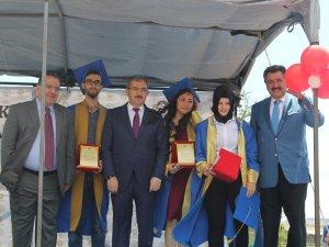 Cihanbeyli'de mezuniyet sevinci