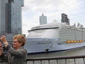 Dünyanın en büyük gemisi Hollanda'da
