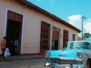 Küba'da küçük ve orta ölçekli işletmeler yasal hale getiriliyor